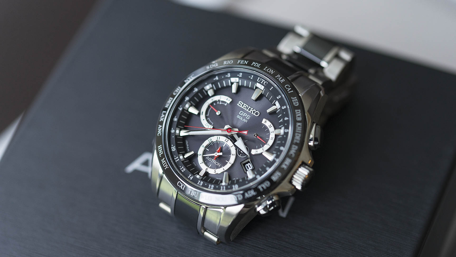 Reviewing Seiko Astron GPS Solar Dual-Time Replica Watch